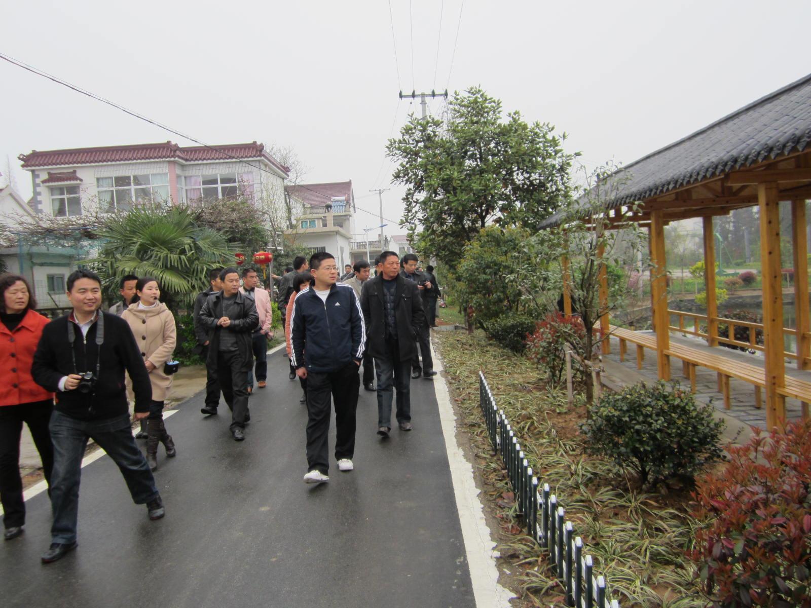 杨滩乡赴周边地区考察学习美好乡村建设